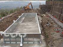 costruire una piscina montaggio pannelli
