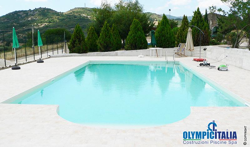 Costruzione piscina skimmer sfioro ristorante palermo costruzione piscine enna - Piscina skimmer ...